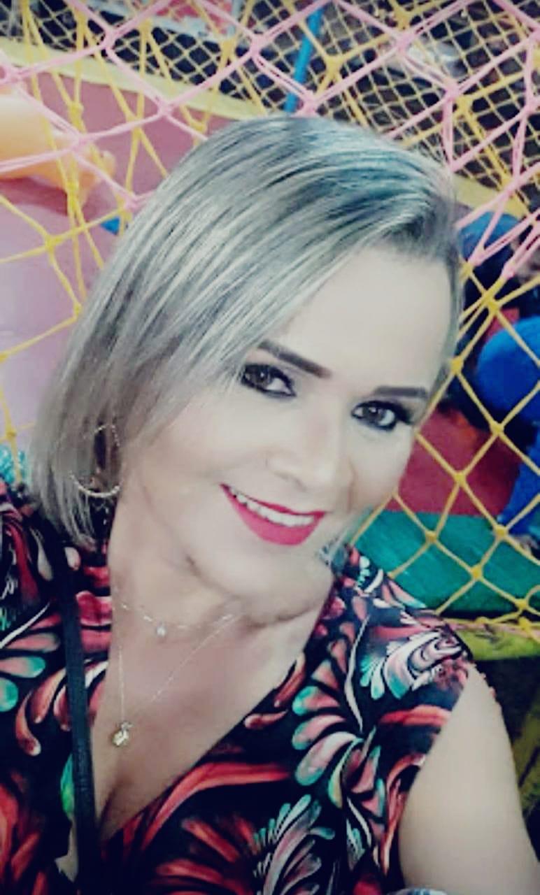Rosângela Maria da Silva Dourado
